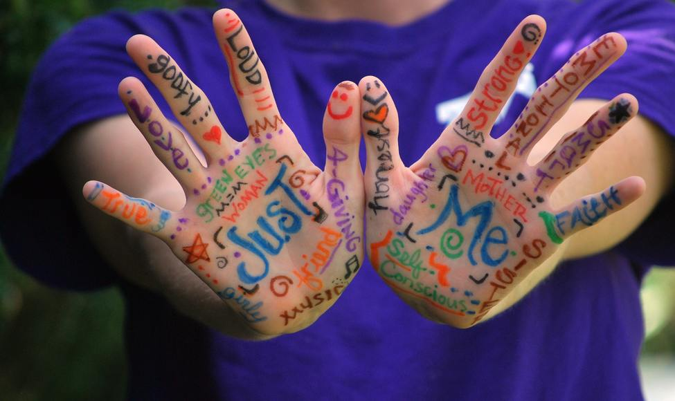 colorful fingers hands عشره اصابع